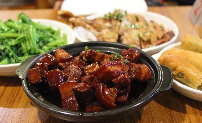 Jian Guo 328: Cozy Shanghainese Comfort Food!